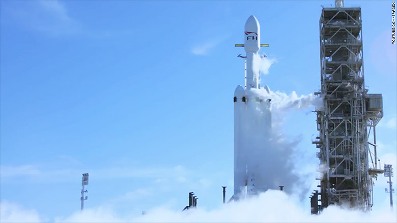 180206182548- spacex falcon heavy launch-1-780x439