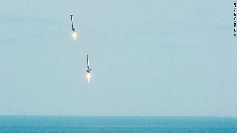 180206182648-falcon-heavy-launch-3-780x439