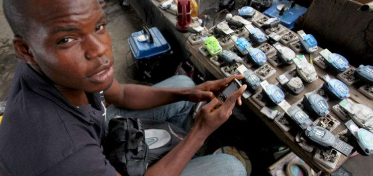 2 Nigerian Students Create App That Notifies Users of Electricity in Their Neighbourhood