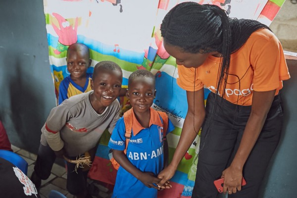 Paga Partners Khan Academy to Launch School in Makoko