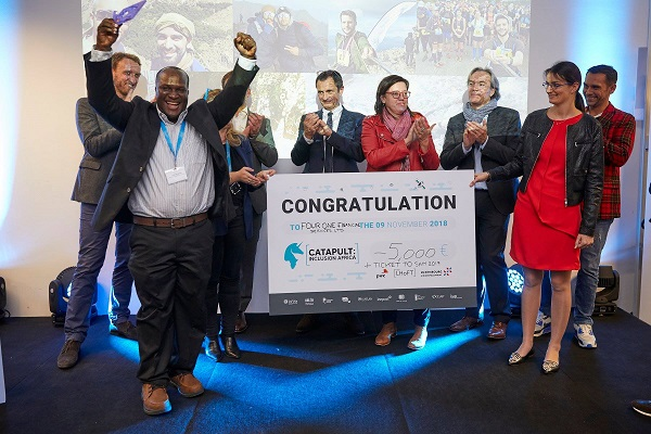 Fintech startup, Four One Financial Services receivind the grand prize of €5000, a ticket to Slush and an entry to the week of the African Microfinance (SAM).