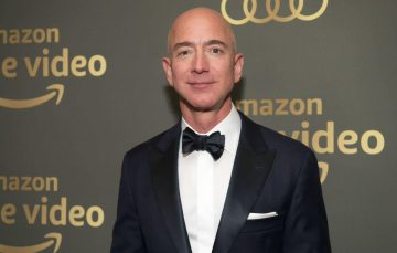 Jeff Bezos to Step Down as Amazon CEO Later this Year