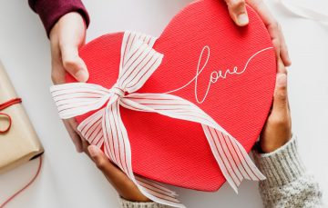 7 Awesome Ways Tech Can Help Singles Have Fun on Valentine's Day