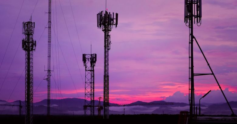 Nigeria's Aviation Authority To Destroy 7000 Telecom Towers For Jeopardizing The Safety of Air Travel