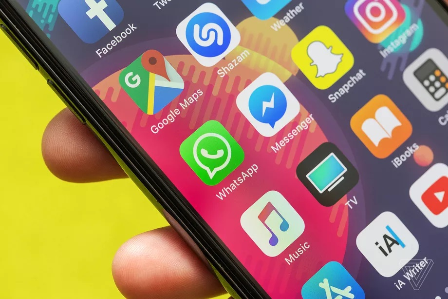 Global Tech Roundup: Facebook bans Trump for 2 Years, Xiaomi can fully charge your phone in 8 minutes & others