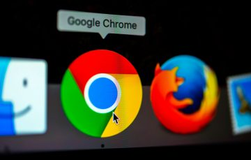 Google Wants to Manage the Many Tabs on Your Chrome Browser with New Colour Code and Topics Feature
