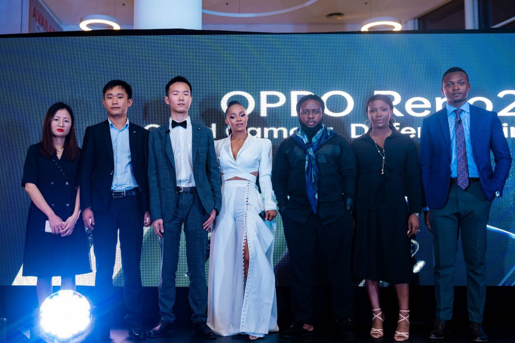L-R: Business Manager, OPPO Mobile, Stella Qin; Sales Director, OPPO Mobile Nigeria, Kenvin Wang; Marketing Director, OPPO Mobile Nigeria, Kris Cao; Brand Influencers OPPO Mobile Nigeria, Toke Makinwa and Anny Robert; Marketing Manager, OPPO Mobile Nigeria, Nengi Akinola and PR Manager, OPPO Mobile Nigeria, Joseph Adeola, at the launch of the OPPO Reno2 device in Lagos, Nigeria.