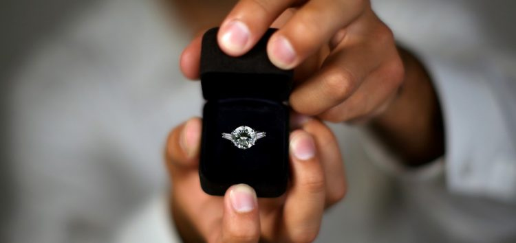 #KFCProposal: Prominent Brands Hop on to Support Lucky Couple on Twitter