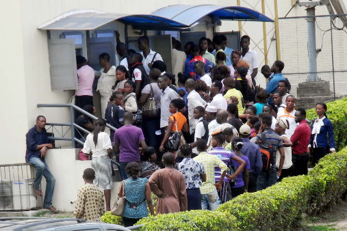 Nigerians Turn to POS kiosks For Cash Withdrawal as Number of Active ATMs Drop