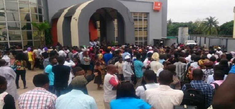 """Nigerians Lambast GT Bank Over Excessive SMS Charges, Condemn """"SMS Alert VAT"""" Fee"""