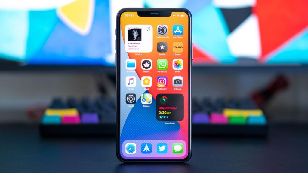 iPhone sales boost Apple profits above $20bn in Q3 but stock falls after warning on chip shortages